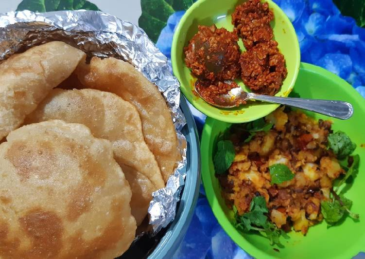Recipe of Ultimate Poori Aloo Masala