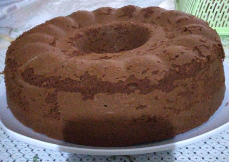 Resep Bolu coklat (takaran sendoka n oven panci) yang Enak Banget