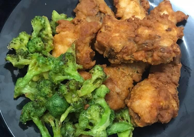Ayam Goreng Ala mekdi dan brokoli goreng - velavinkabakery.com
