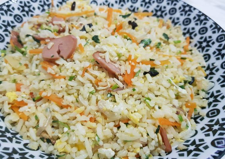 Nasi Goreng Daun Sup