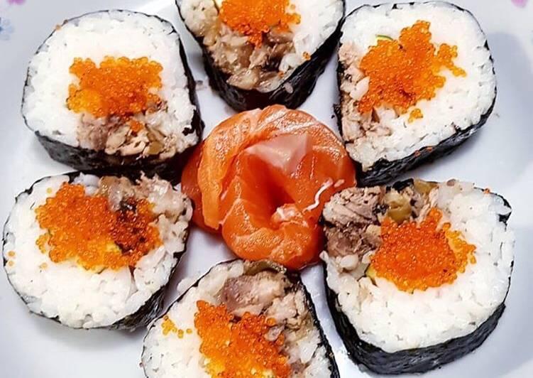 Resep Sushi Tuna Teriyaki Dengan Telur Ikan Dan Sashimi Oleh Novitasari Kusumadewi Oppie Cookpad