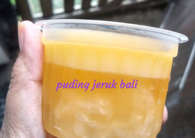 Puding jeruk bali
