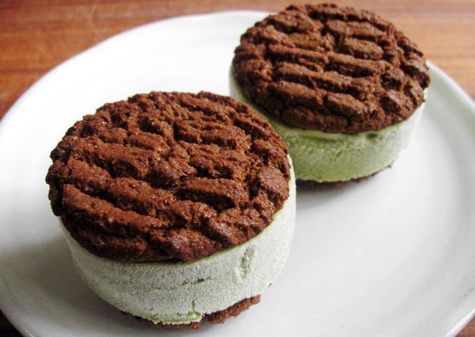 Matcha Ice Cream Sandwiches