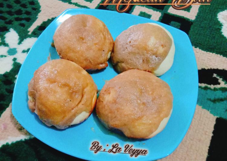 Mexican Bun/Roti O/Coffee Bun