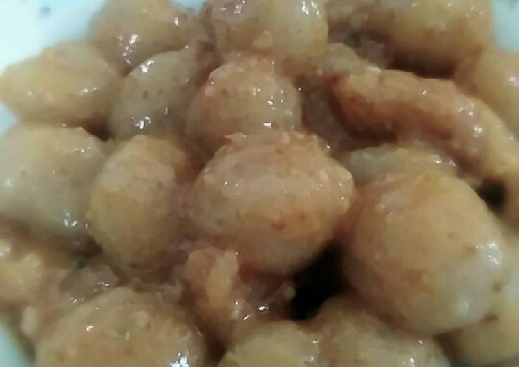 Cilok lele bumbu kacang pedas