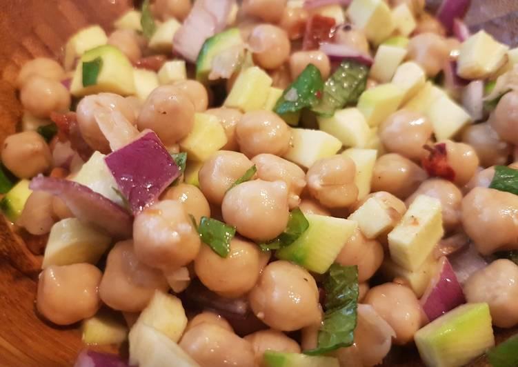 Recette: Délicieux Salade de pois chiche à la menthe