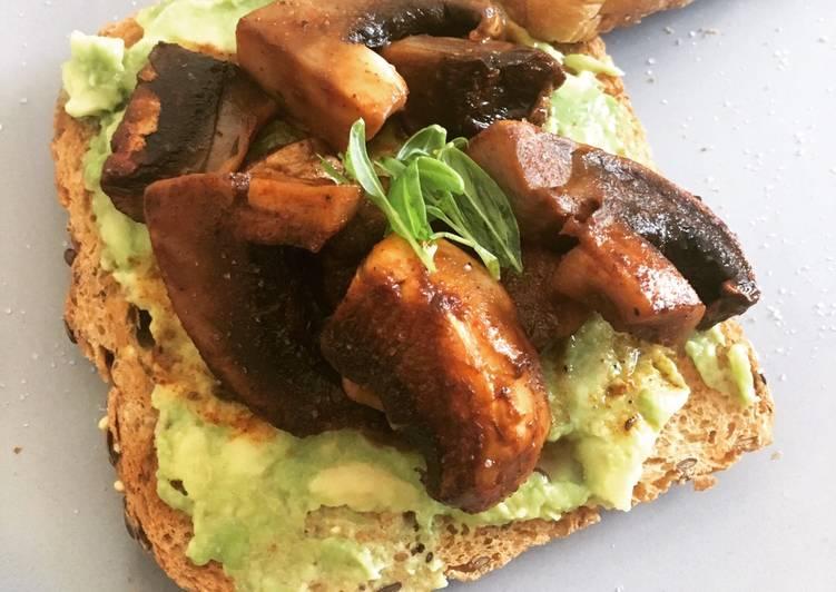 Smokey Mushrooms & Avocado on Toast