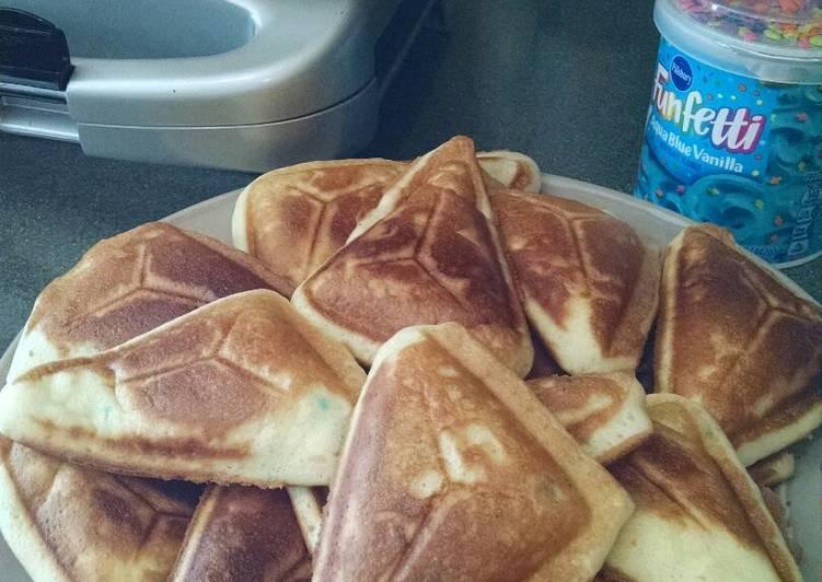 Sandwich maker mini cakes