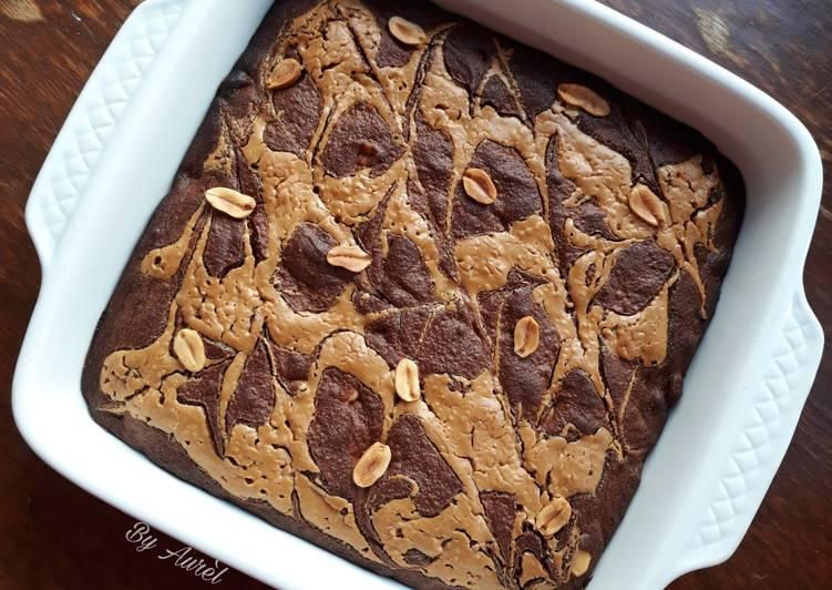 Recette Délicieux ☆Brownie Marbré au Beurre de Cacahuètes☆