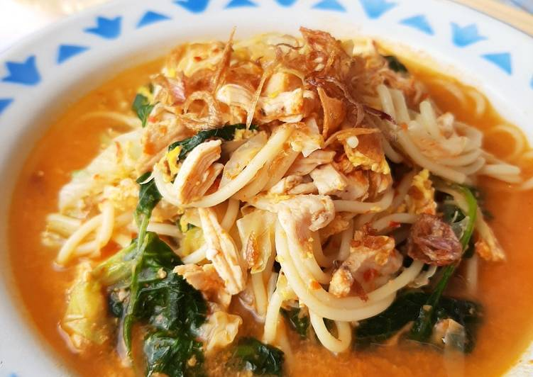 Mi nyemek (spageti)