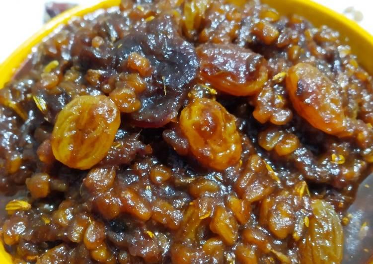 Recipe of Favorite Fenugreek seeds chutney (Methi dana & dates chutney)