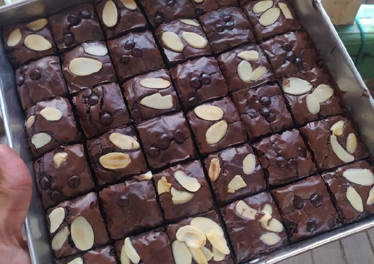 Brownies Shiny crust fudgy 'erlina lim'