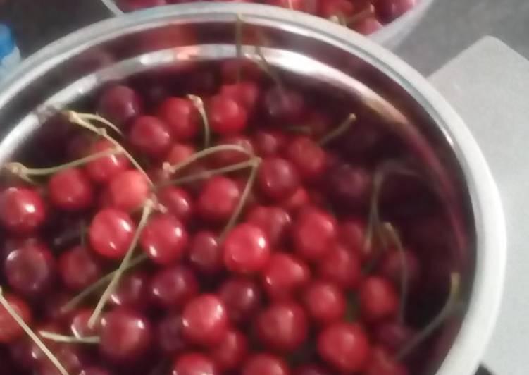 recette Clafoutis aux cerises à la poudre d'amandes Le plus simple