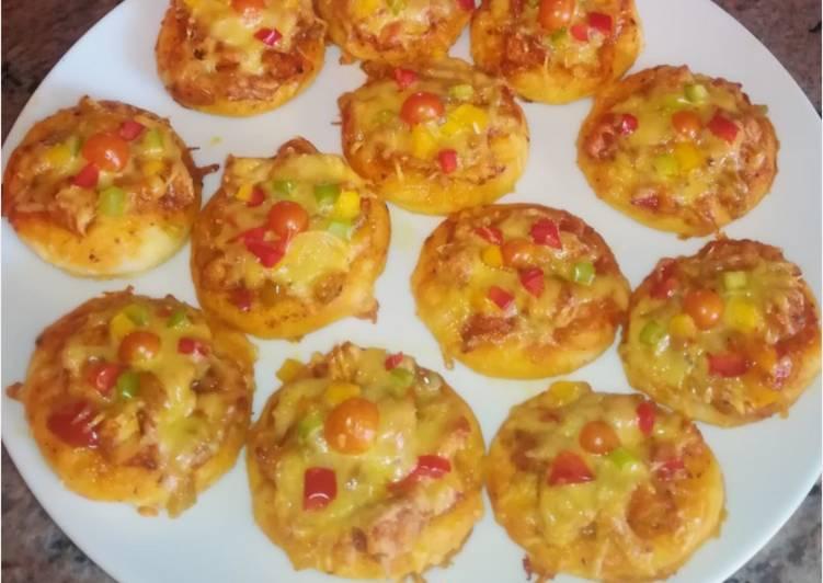 Recipe of Favorite Mini Chicken tikka pizzas