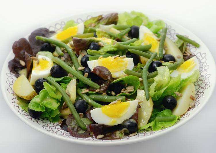 Salad Nicoise without fish