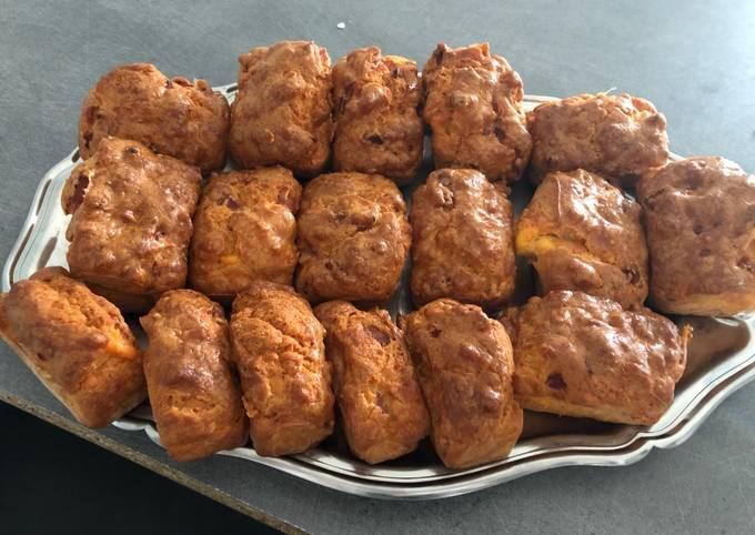 Mini cakes cheddar et bacon