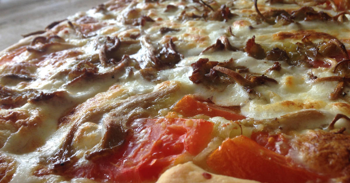 Simple Thick Crust Pizza Dough Recipe By Ryan Goodwin Cookpad