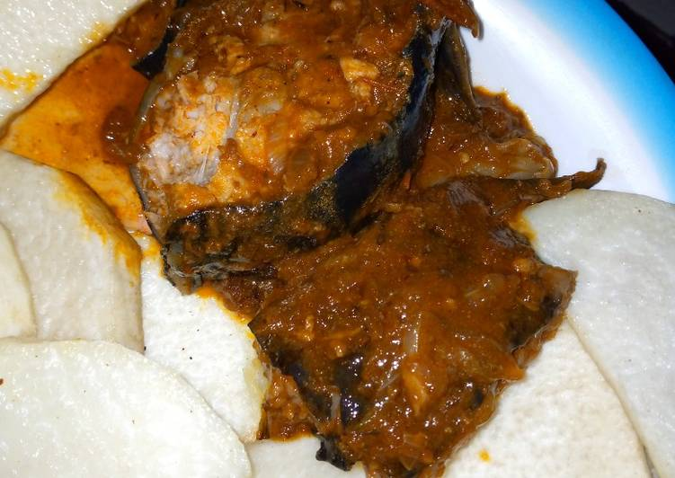 Recipe of Favorite Fried yam with fish peppered soup