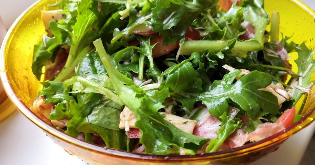 многие откликнулись, рецепты любимых салатов с фото добавила, что