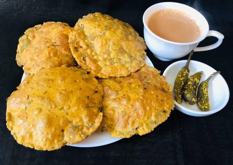 Turn to Food to Improve Your Mood Bajra Methi Puri