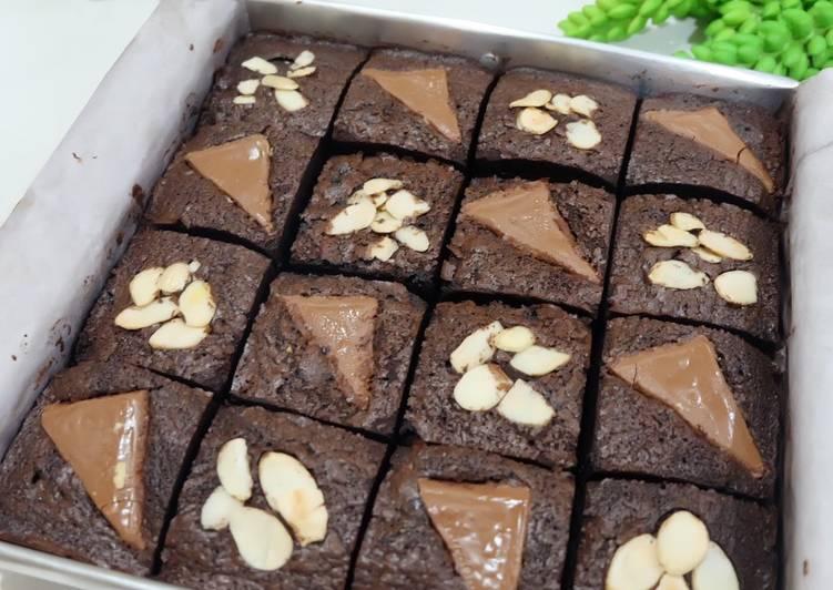 Triple Fudge Brownie