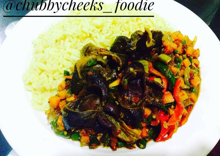 Deciding On The Best Foods Can Help You Stay Fit And Also Healthy Gizzard sauce with curried rice