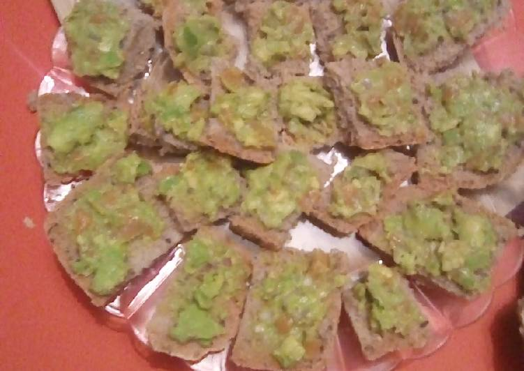 Toast saumon avocat