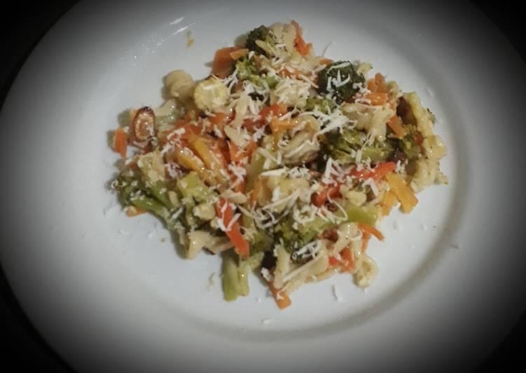 Salad Cheese Makaroni Vegetables