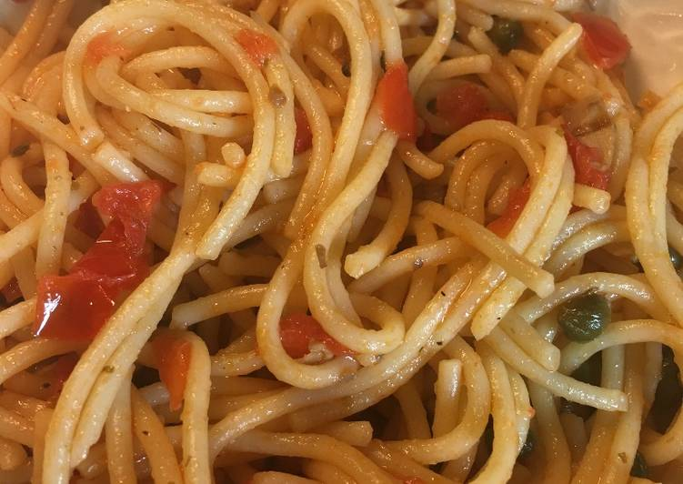 Easiest Way to Cook Perfect Spaghetti with Capers, Mushrooms & Tomatoes