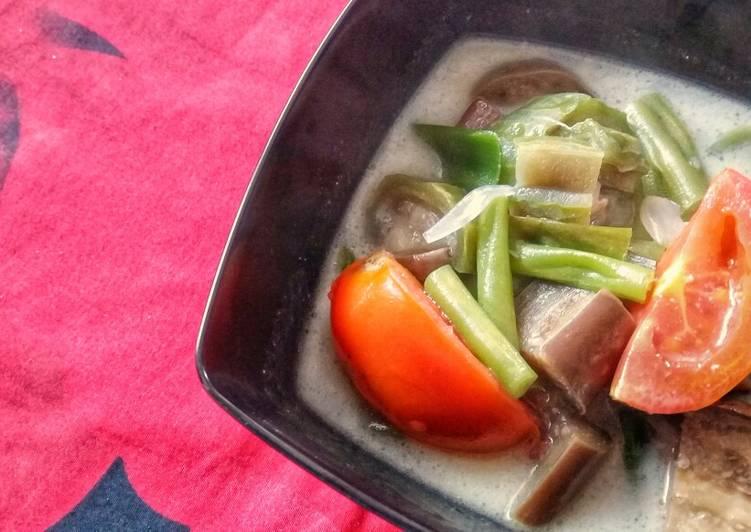 Recipe of Favorite Sayur Lodeh / Vegetable in Coconut Milk Soup