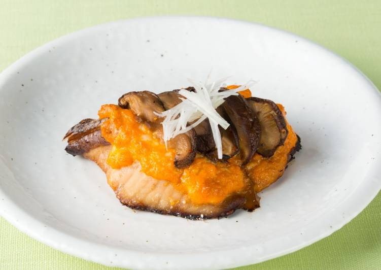 Recipe of Any-night-of-the-week Oven-baked Japanese Yellowtail with Shiitake Mushrooms