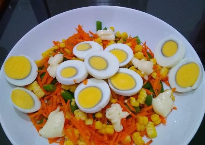 Resep Salad sayur dan telor(makan siang), Bikin Ngiler