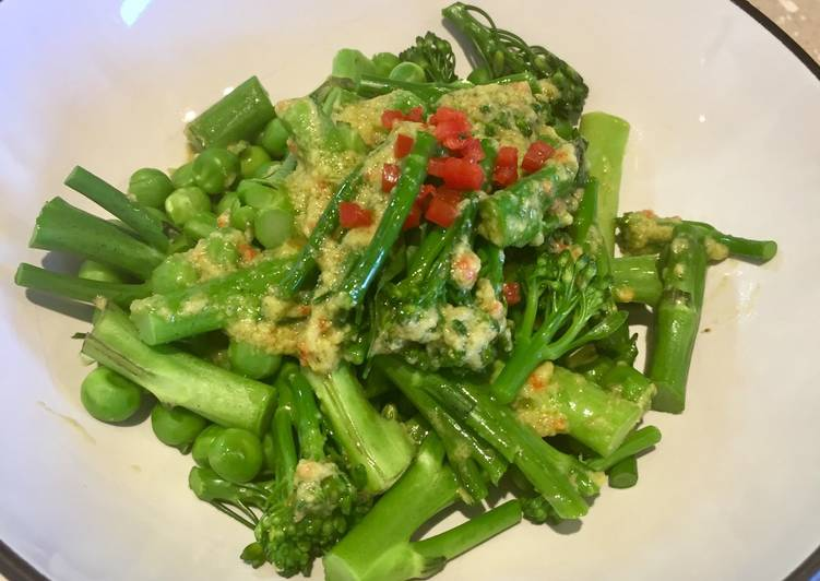 Green Veg with a Creamy Avocado & Charred Chilli Dressing