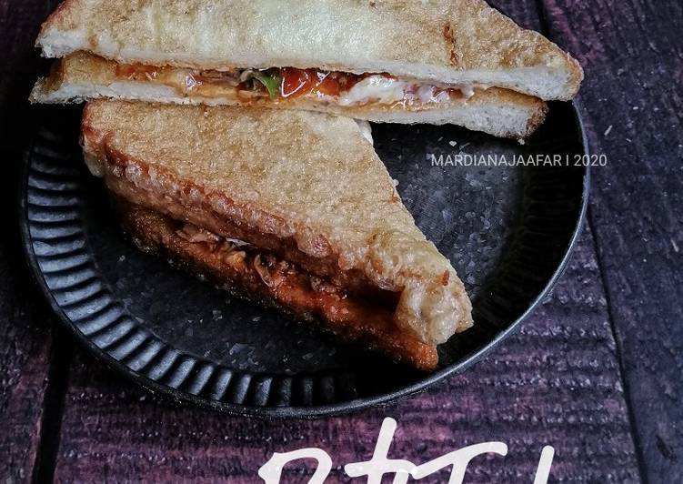 Resepi:  Roti Telur Sardin  Lazat