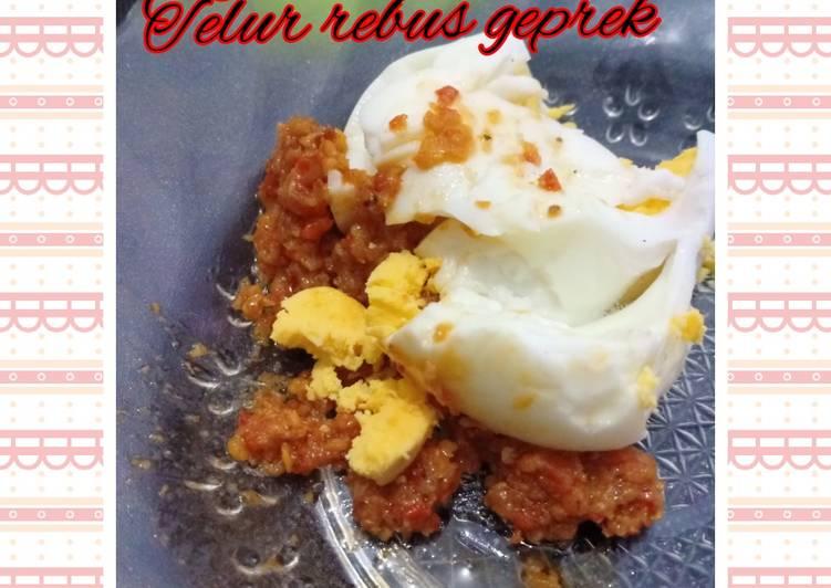 Telur rebus geprek