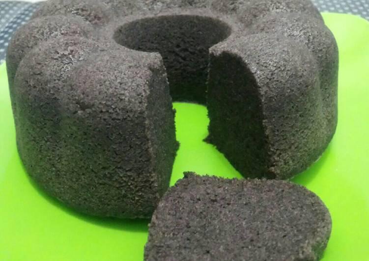 cara memasak Bolu ketan hitam kukus simpel - Sajian Dapur Bunda