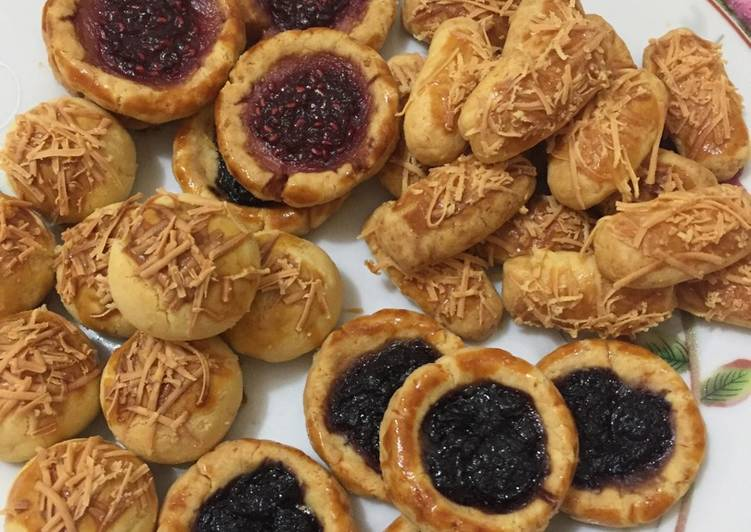 Nastar, Raspberry, Blueberry & Kastengels cookies