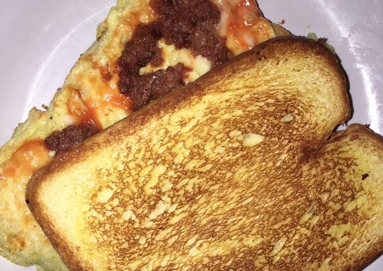 Resep Menu Kost #7 – Roti John Ala Sunnyside Bikin Ngiler