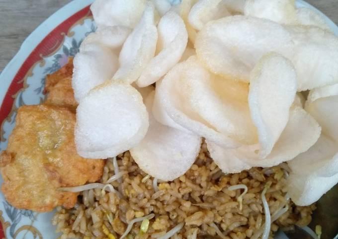 Nasi Goreng Jawa Simpel + Nugget Ayam homemade