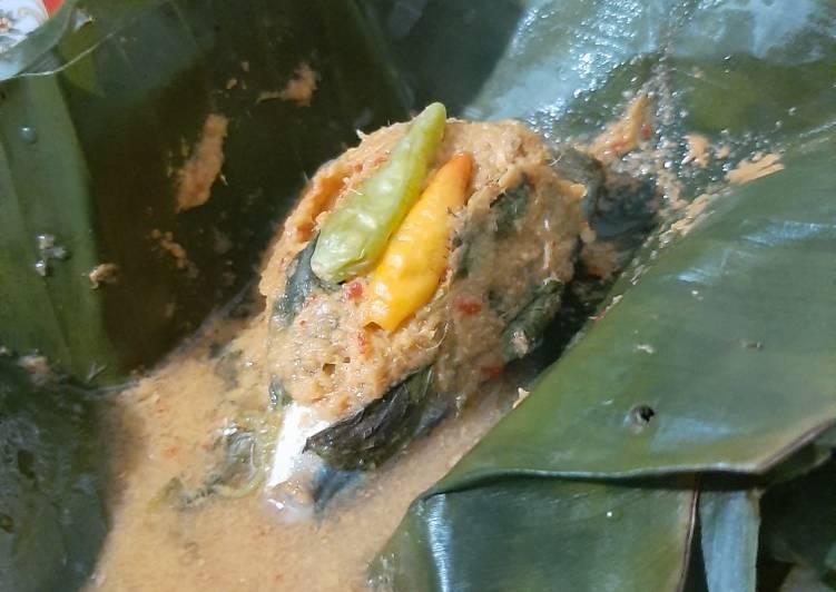 Pepes ikan gembung