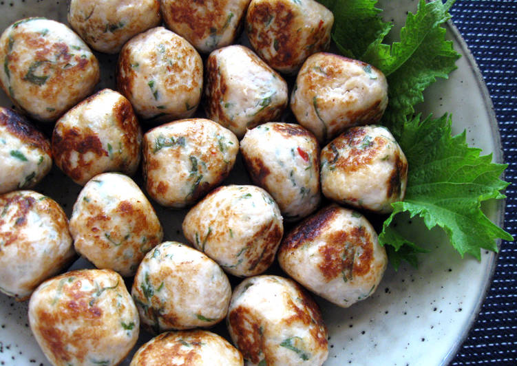 How to Cook Sweet Chilli & Shiso (Basil) Chicken Balls Appetizing