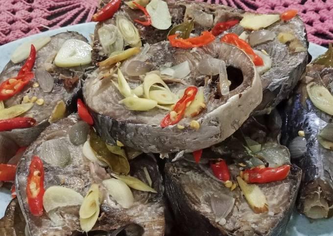 Pindang Tongkol (kukus)