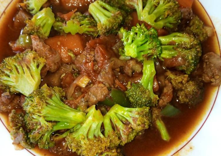 Beef stew with broccoli