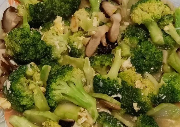 Brokoli Cah Telur + Jamur Shitake by SC