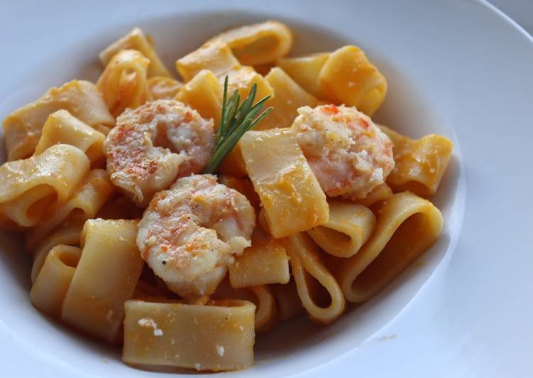 Easiest Way to Make Ultimate Pasta with pumpkin and shrimps