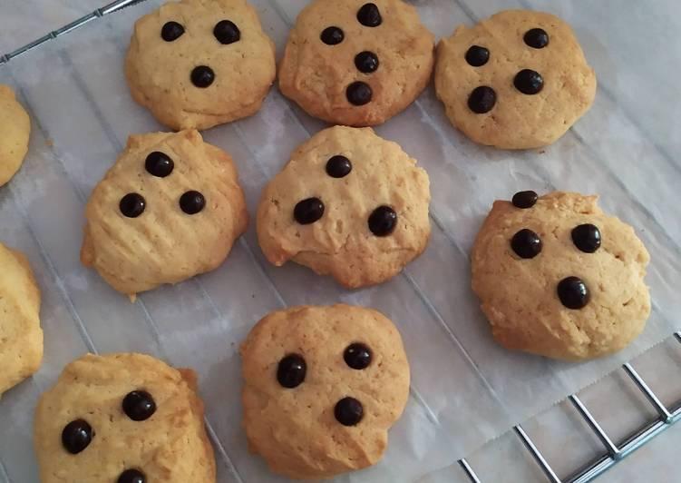 Chocolate chip vanilla cookies