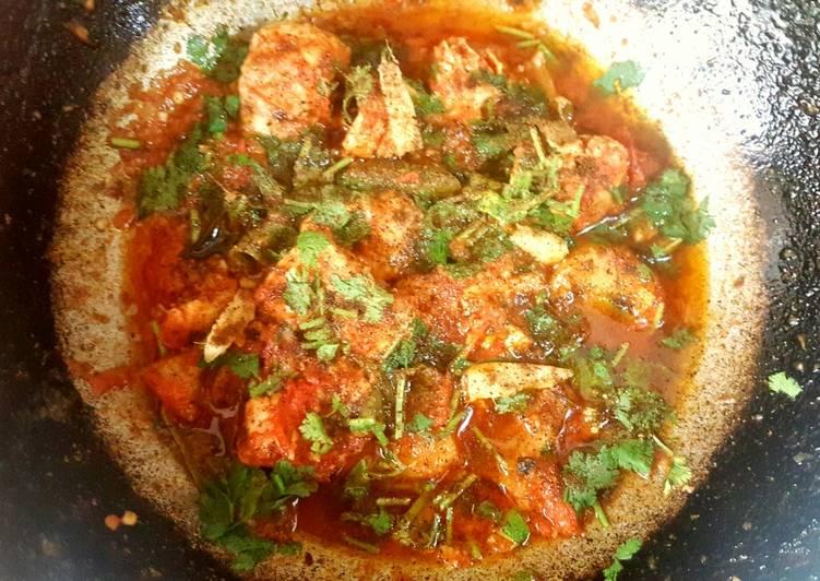 Spicy Chicken Karhai/ Spicy Chicken Curry in a Wok😋