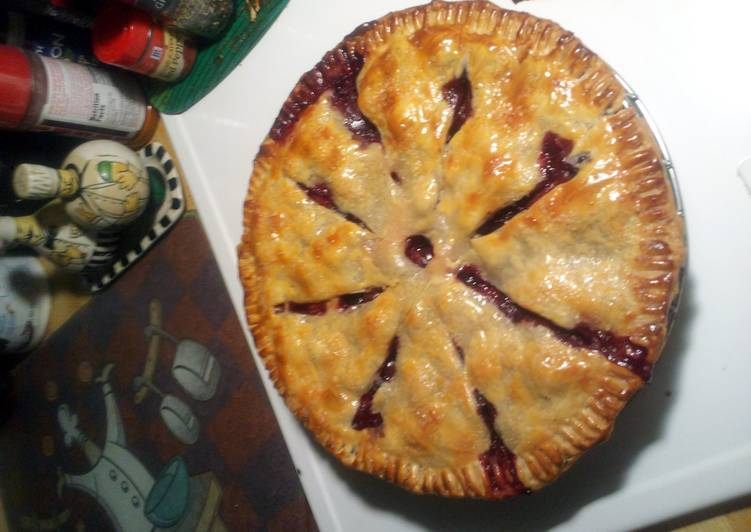Absolutely Ultimate Dinner Ideas Love Straw/Blueberry Pie