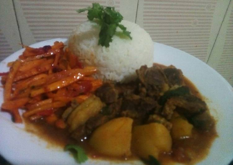 Rice with beef stew and carrot chillies