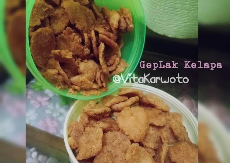 Geplak Kelapa/Makanan ringan tradisional Homemade